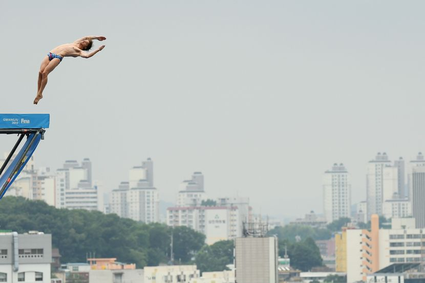 "High Diving, Day 3: Perfect ""triple quad"" gives gold to Hunt"