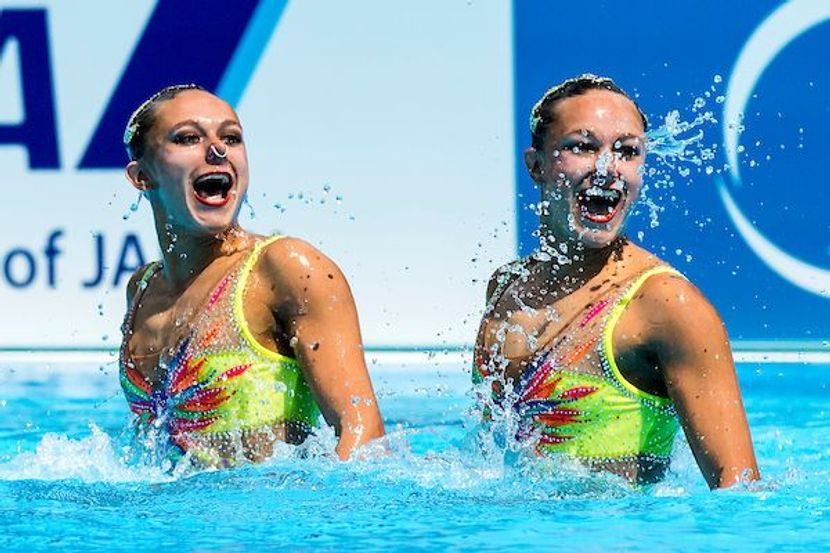 """""""When we swim together, we are connected"""" : Charlotte & Laura Tremble (FRA)"""
