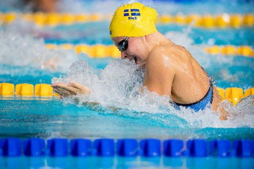 Family ties: Sisters Louise and Sophie Hansson make a splash for Sweden
