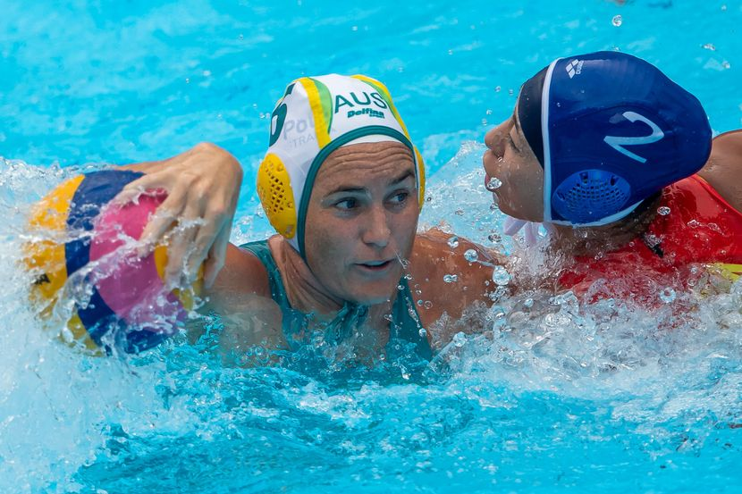Day 4 Women's Water Polo — Dutch, Hungary, Greece, Australia into quarters