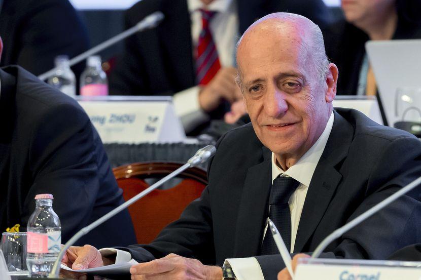 PR 55 - General Congress re-elects Dr Julio C. Maglione as FINA President