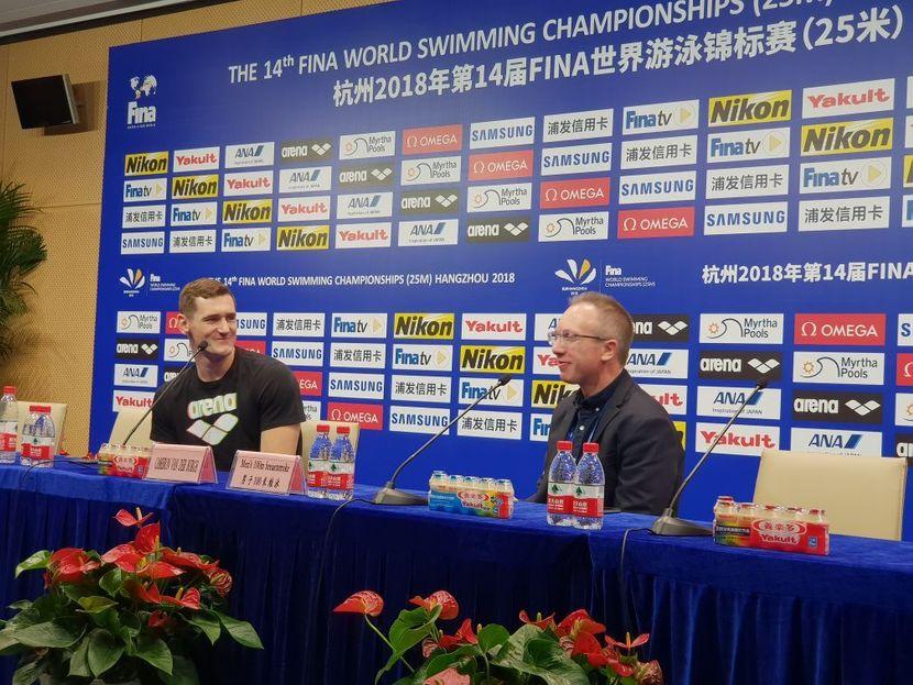 Van der Burgh announces retirement after 100m breaststroke gold in Hangzhou [VIDEO]